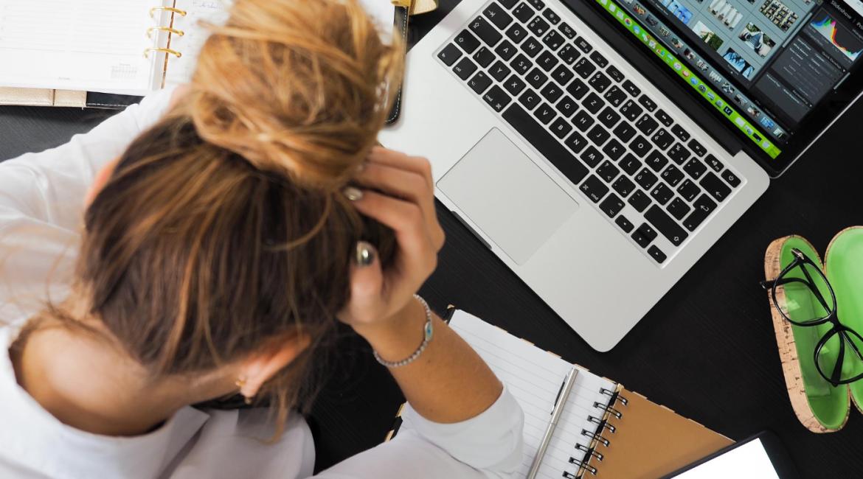 5 consejos que te ayudaran a responder a la pregunta debilidades laborales en una entrevista de trabajo.