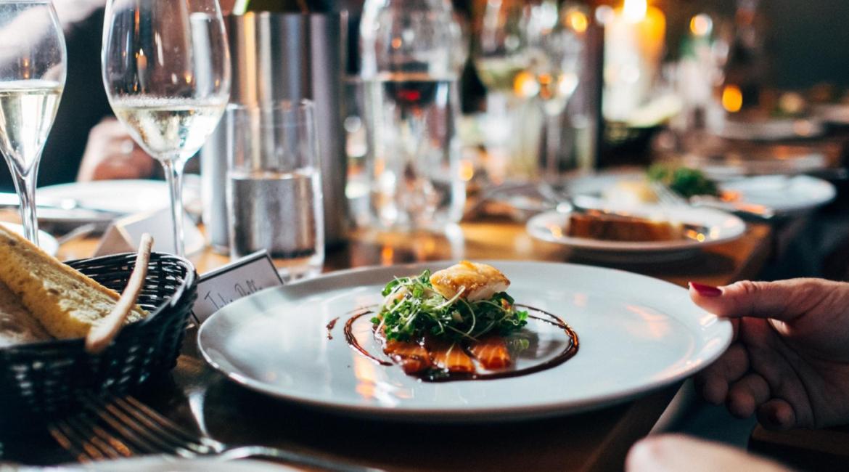 perfiles más demandados en hosteleria camareros