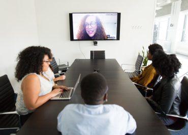 ¿Cómo prepararse para una entrevista de trabajo online?