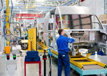 ¿Dónde buscar trabajo después de graduarse de grado superior de automoción? Fábricas de automóviles en España